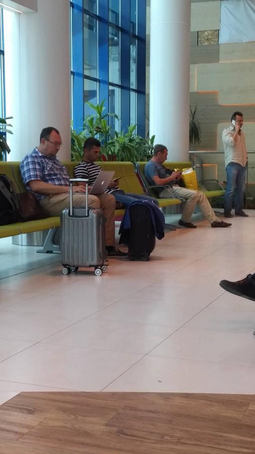 la aeroport