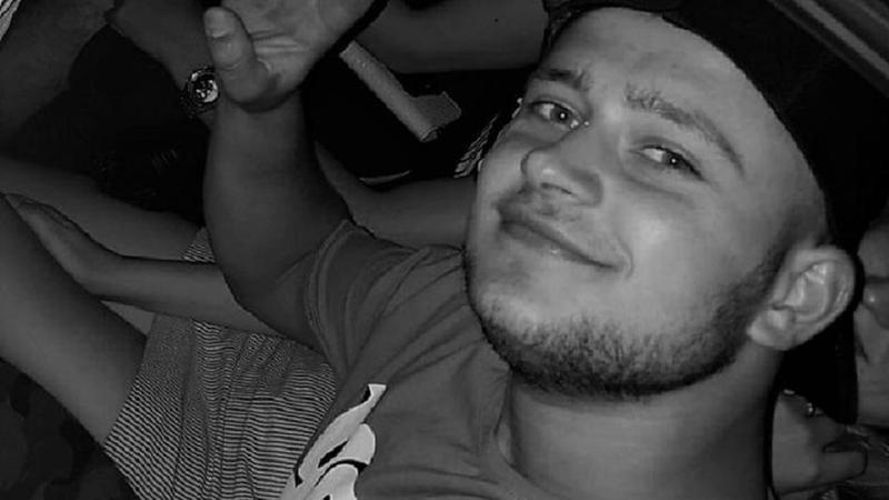 """Rudele băiatului decedat după o încăierare la Costești anunță proteste: """"Se dorește mușamalizarea cazului"""""""