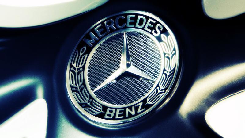 Mercedes-Benz a devansat BMW şi Audi, rămânând cel mai mare producător mondial de automobile de lux