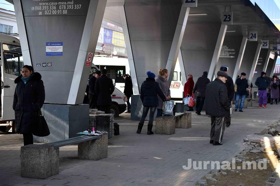Gara oameni lume stradă