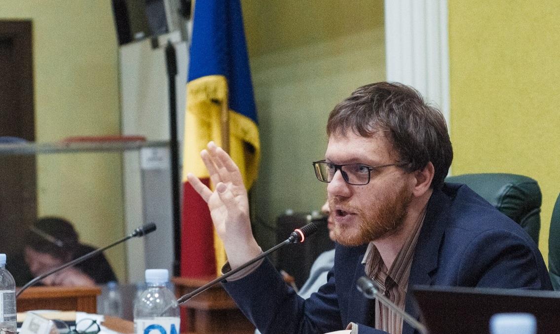 Yan Feldman